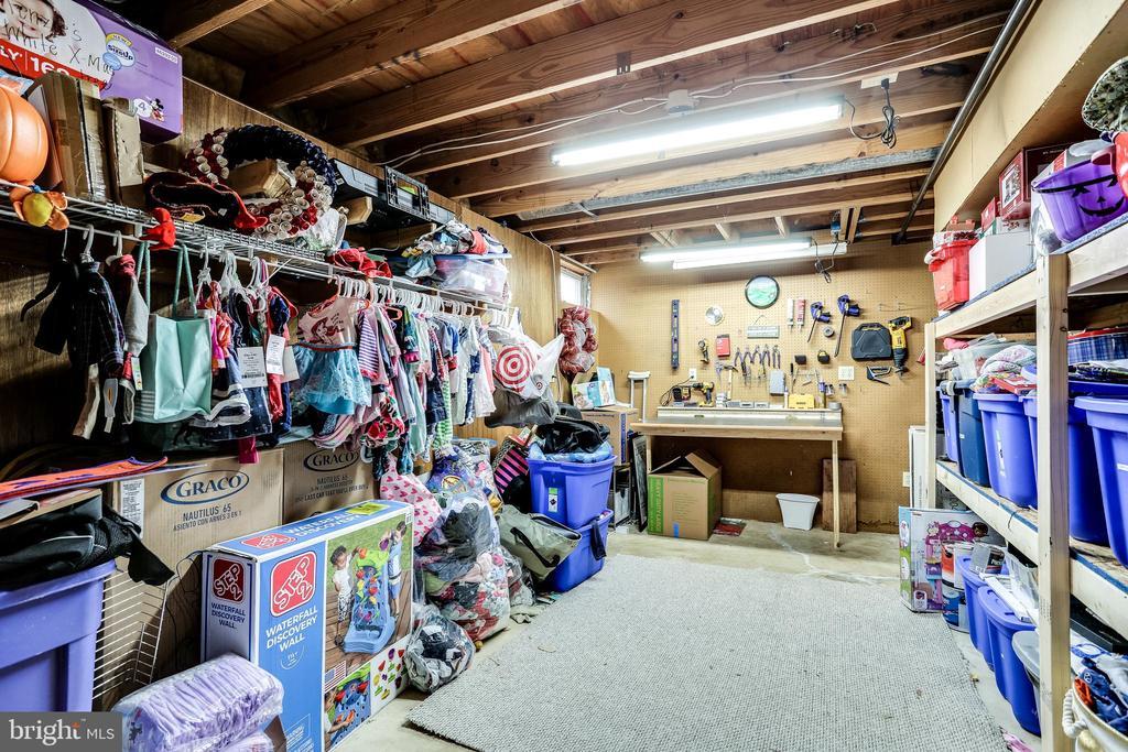 Lower Level Storage Room w/ Work Bench - 7924 BUTTERFIELD DR, ELKRIDGE
