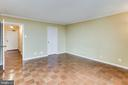 Master Bedroom With Attached Master Bath - 3800 FAIRFAX DR #1512, ARLINGTON