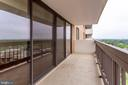 Huge Balcony To Relax - 3800 FAIRFAX DR #1512, ARLINGTON