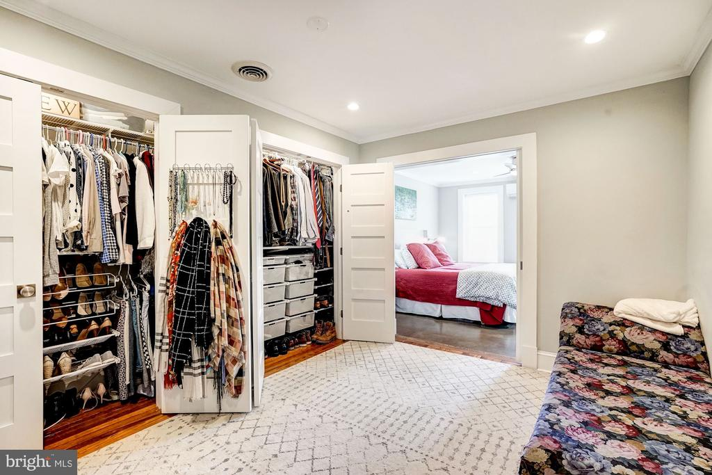 Dual custom closets. - 4604 9TH ST NW, WASHINGTON