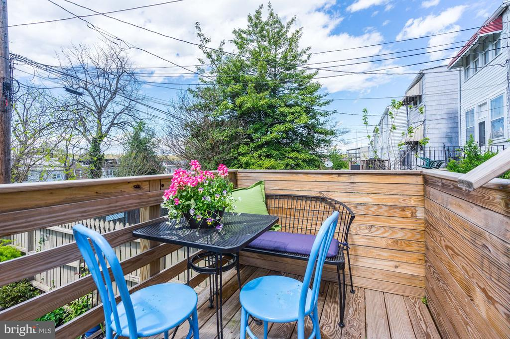 Perfect for al fresco dining. - 4604 9TH ST NW, WASHINGTON