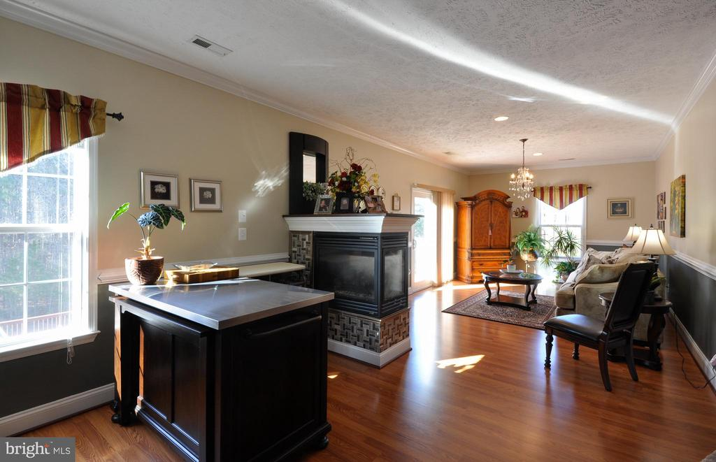 Master Sitting Room with Gas Fireplace - 10636 CATHARPIN RD, SPOTSYLVANIA