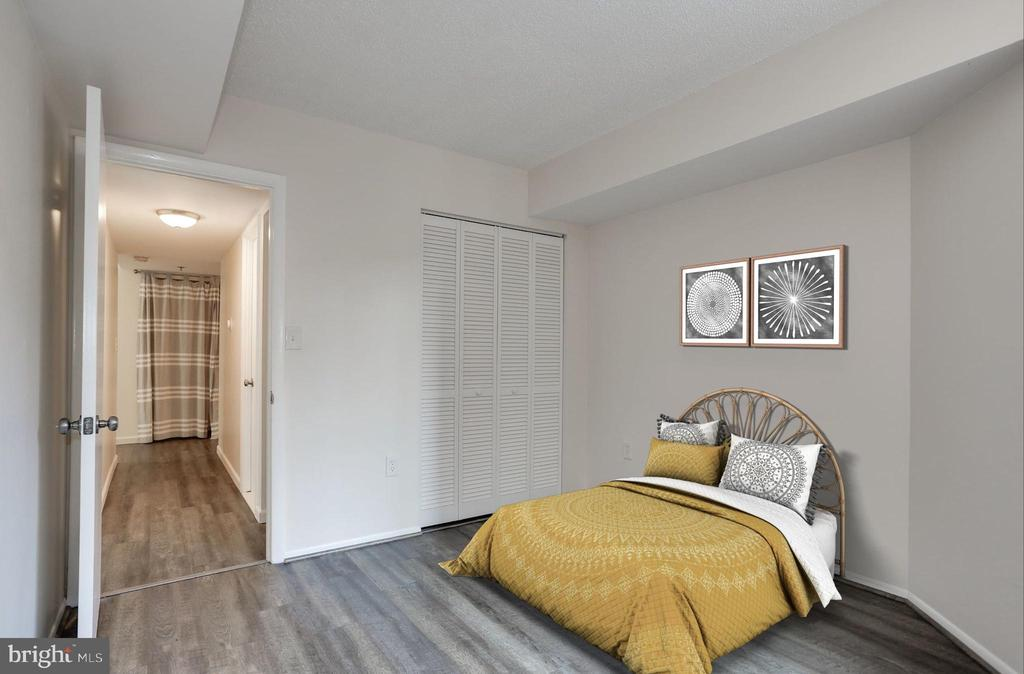 Virtually staged guest room - fits queen bed - 1001 N VERMONT ST #310, ARLINGTON