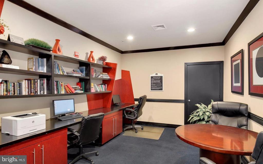 Work  room - 9480 VIRGINIA CENTER BLVD #329, VIENNA