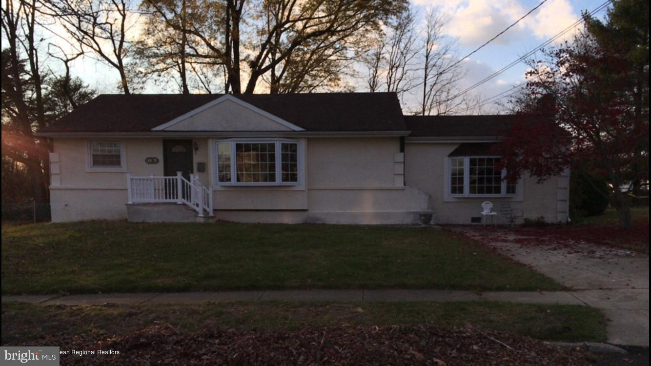 Single Family Homes 为 销售 在 Glendora, 新泽西州 08029 美国