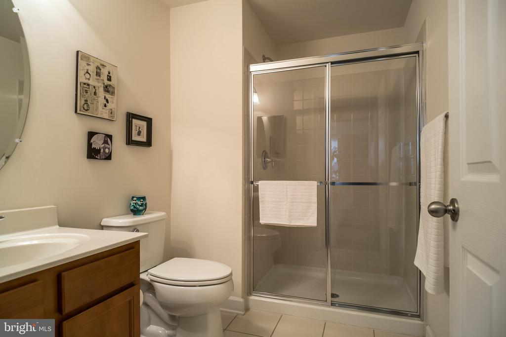 Main level bath - 102 ALMOND DR, STAFFORD