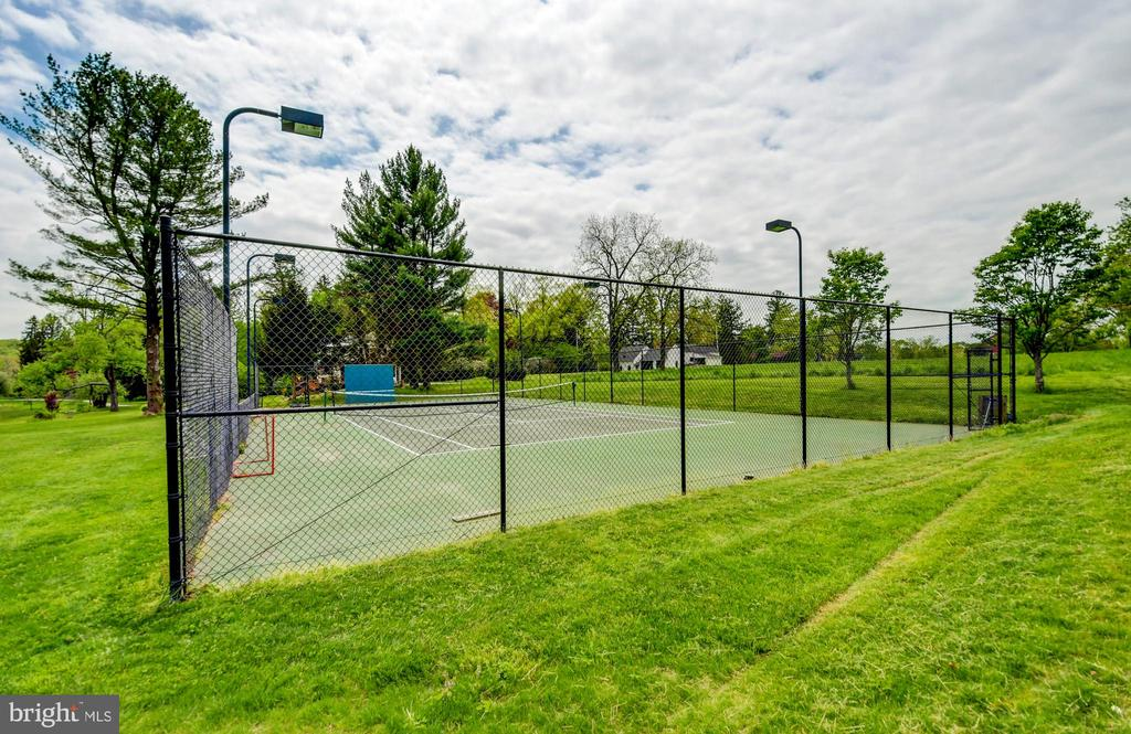 Lighted Tennis Court - 10807 GREENSPRING AVE, LUTHERVILLE TIMONIUM