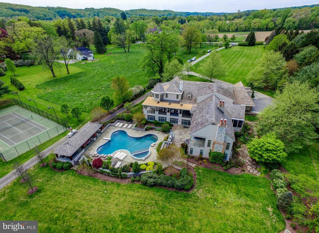 - 10807 GREENSPRING AVE, LUTHERVILLE TIMONIUM