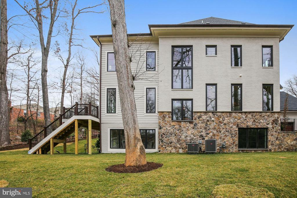 - 1936 FRANKLIN AVE, MCLEAN