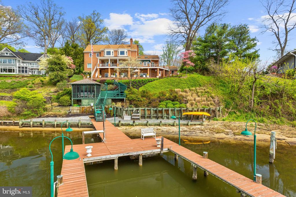 Waterfront and U-shaped Private Pier - 1128 ASQUITH DR, ARNOLD