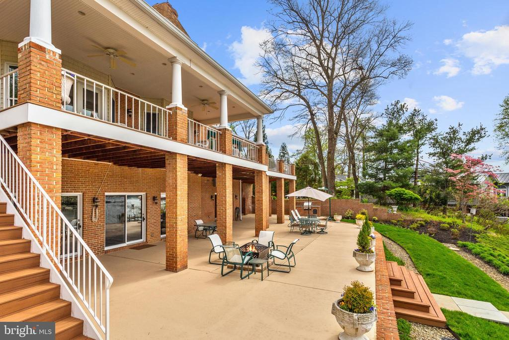 Waterside Deck and Walk-out Patio - 1128 ASQUITH DR, ARNOLD
