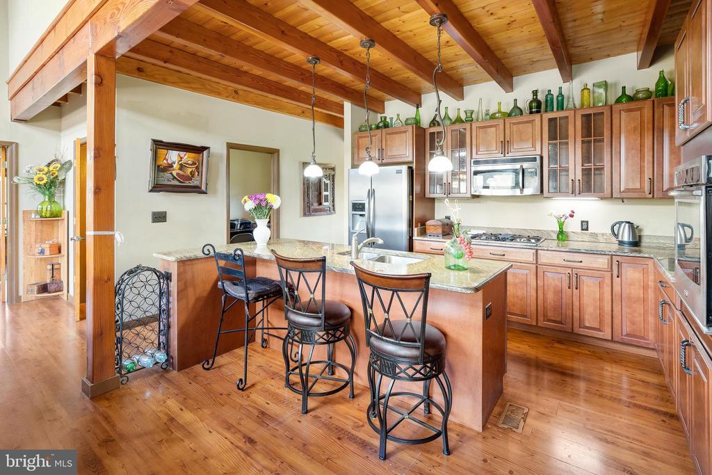 EAT IN KITCHEN - 34876 PAXSON RD, ROUND HILL