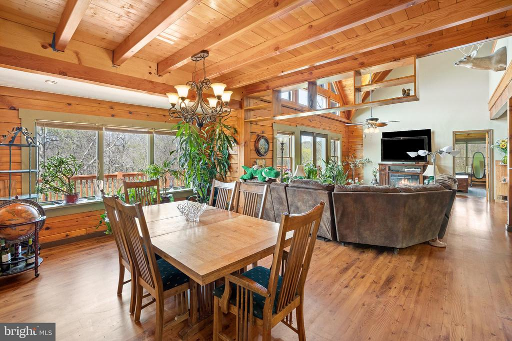 DINING ROOM RIGHT OFF THE KITCHEN - 34876 PAXSON RD, ROUND HILL