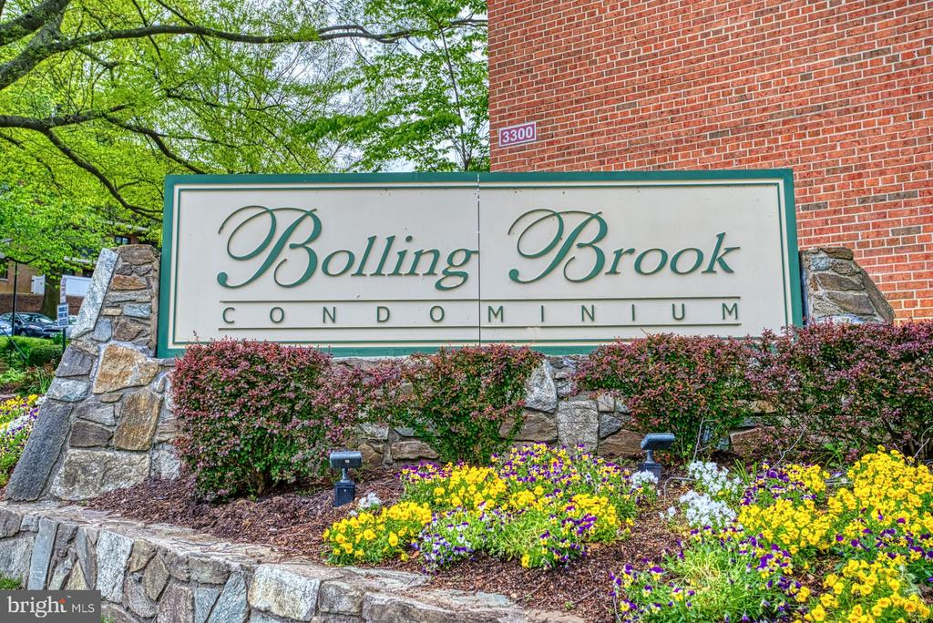 Welcome to Bolling Brook Condo - 3200 S 28TH ST #404, ALEXANDRIA