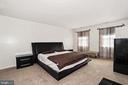 Large Master Bedroom with walk in closet - 3005 SEVEN OAKS PL, FALLS CHURCH