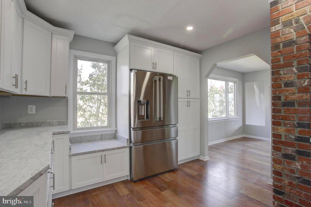 French 4Door Stainless Steel Refrigerator & Pantry - 1430 AQUIA DR, STAFFORD