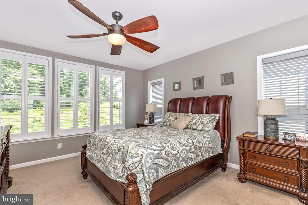 - 6961 COUNTRY CLUB TER, NEW MARKET