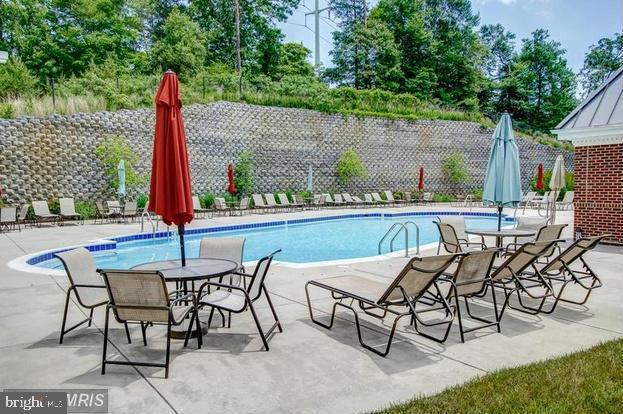 Community Pool - 812 MORAN DR, ANNAPOLIS