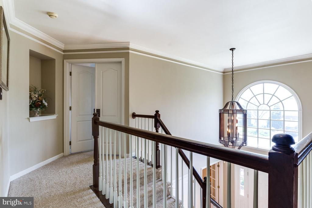 Master BR suite is at the top of the stairs - 10892 HUNTER GATE WAY, RESTON