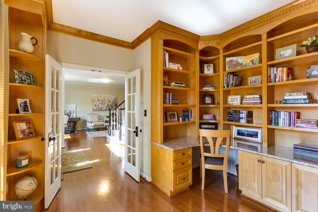 This private study is just off the foyer - 10892 HUNTER GATE WAY, RESTON