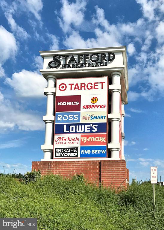 Around the corner from all of your shopping needs - 2026 FARRAGUT DR, STAFFORD