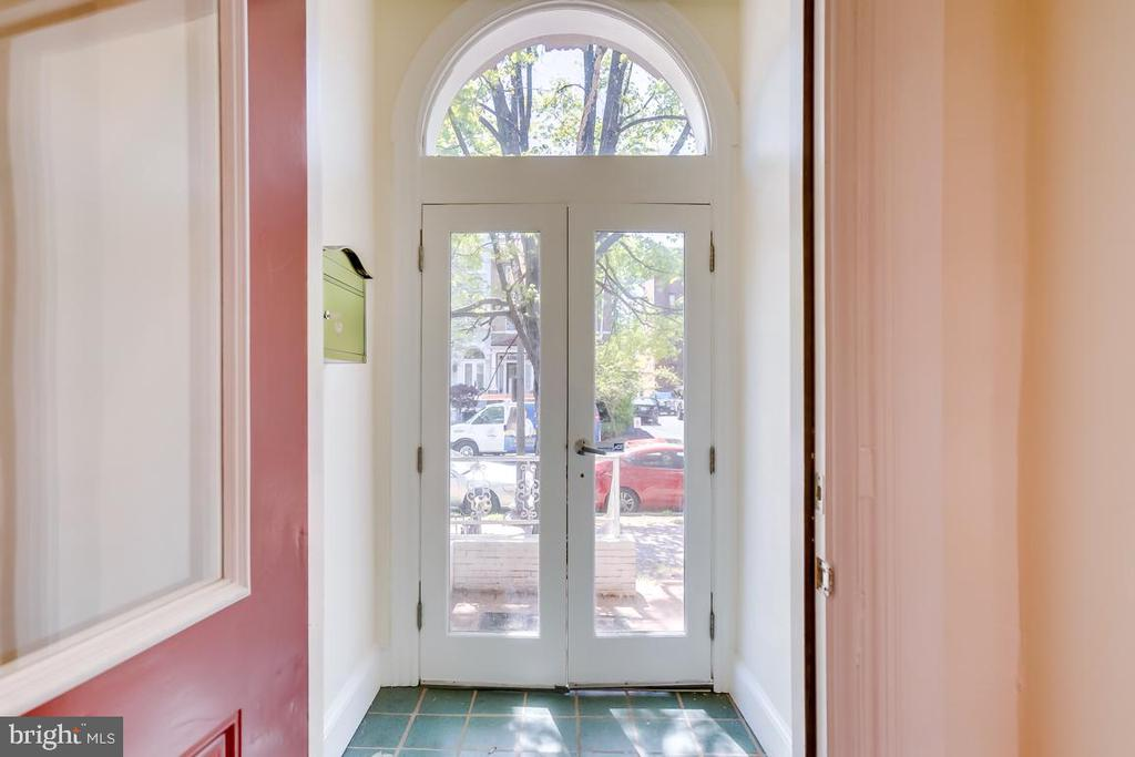 Entryway - 1827 S ST NW, WASHINGTON