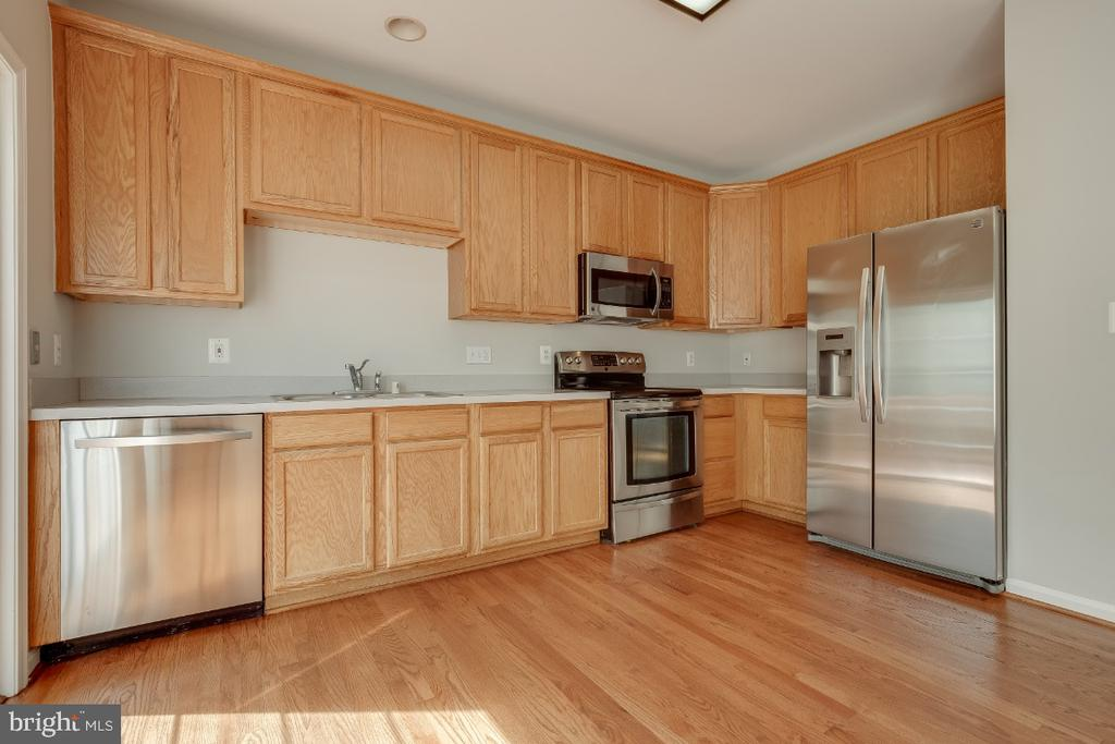 Stainless Steel Appliances - 43059 CANDLEWICK SQ, LEESBURG
