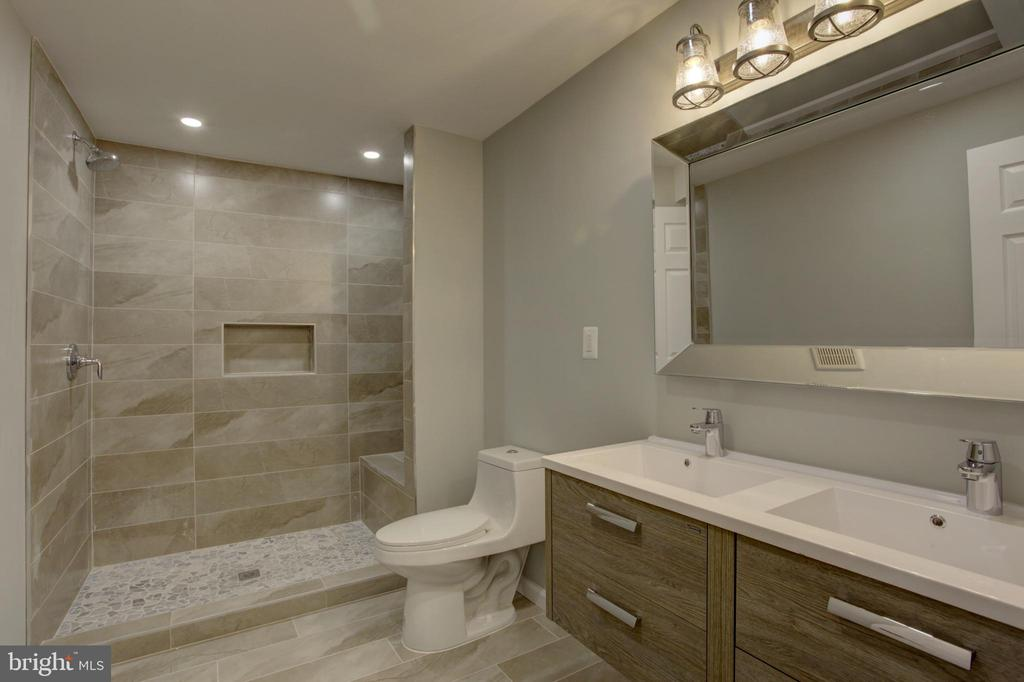 Lower Basement Level Full Bath with Double Vanity - 1430 AQUIA DR, STAFFORD