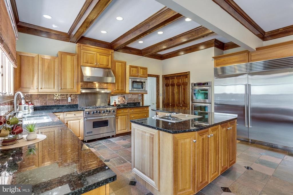 Light Filled Gourmet Kitchen, Premium Selections - 7780 KELLY ANN CT, FAIRFAX STATION