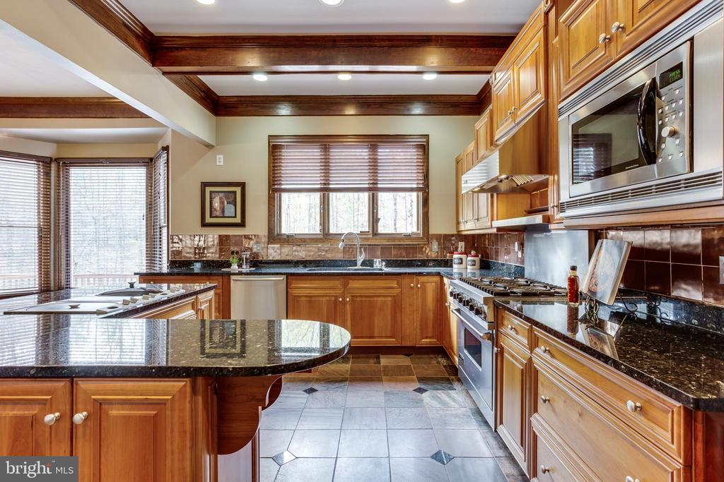Premium Appliances Throughout - 7780 KELLY ANN CT, FAIRFAX STATION