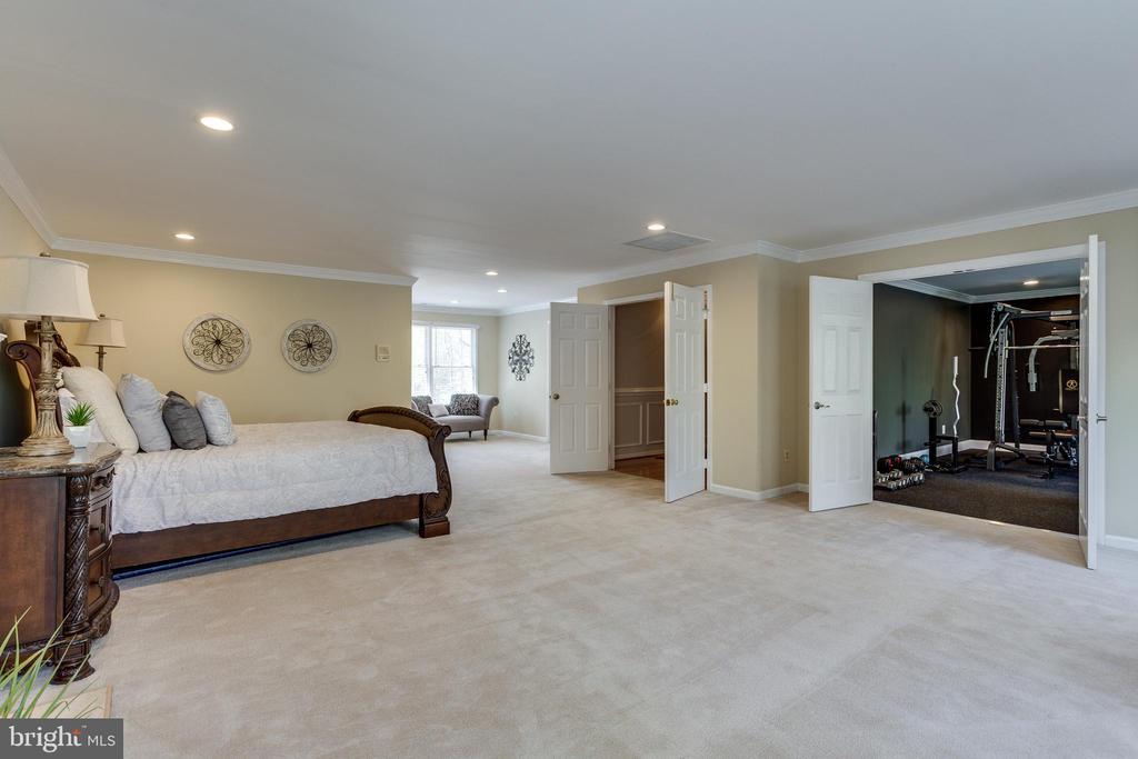 Spacious Master Bedroom w/ Premium Gym - 7780 KELLY ANN CT, FAIRFAX STATION