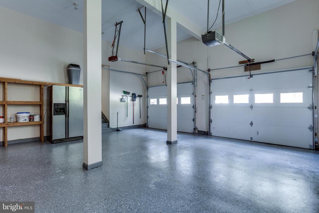 Spacious Garage w/ Shelving - 7780 KELLY ANN CT, FAIRFAX STATION