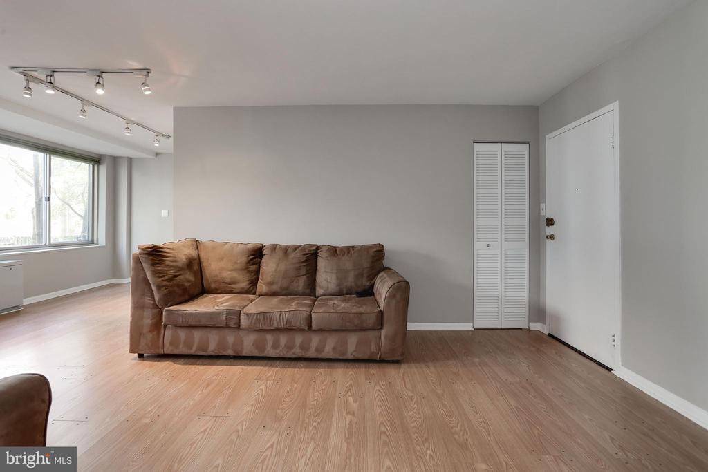Living Room - 922 24TH ST NW #104, WASHINGTON