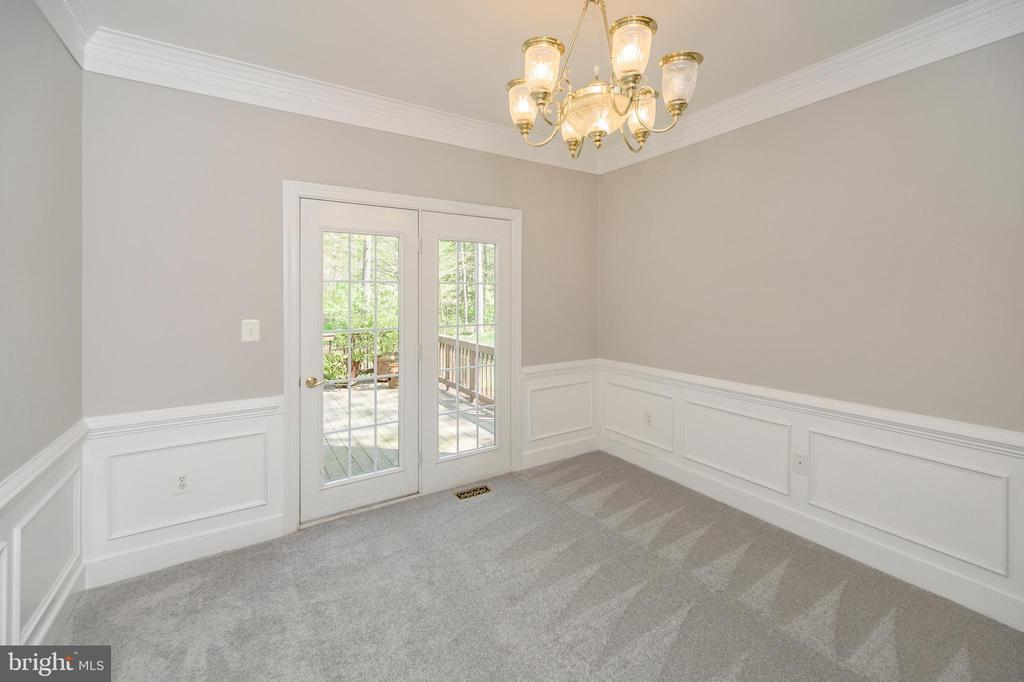 Main level office w/ french doors to deck - 42 LIGHTFOOT DR, STAFFORD