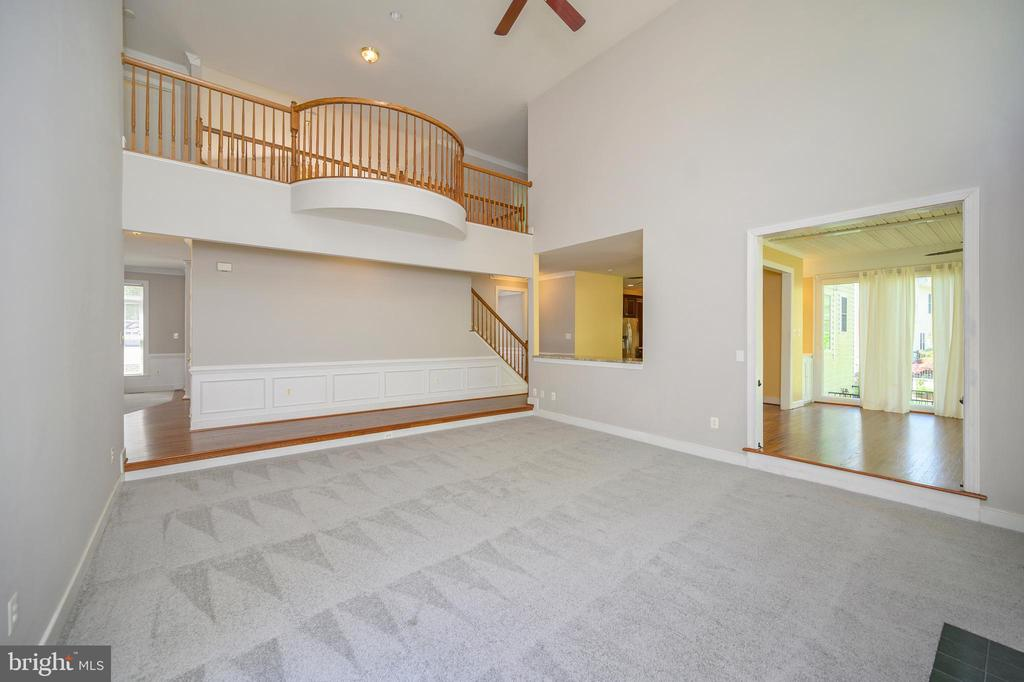 Stunning balcony area  upstairs - 42 LIGHTFOOT DR, STAFFORD