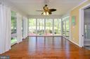 Beautiful bright sunroom overlooks the golf course - 42 LIGHTFOOT DR, STAFFORD