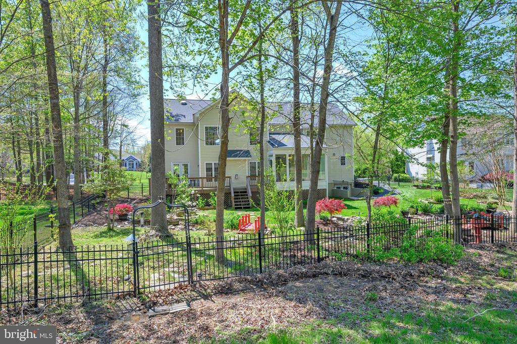 Golf and gardens such a pretty view from course! - 42 LIGHTFOOT DR, STAFFORD