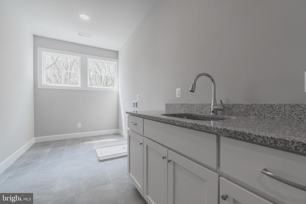 Spacious and sunny second floor laundry - 8604 NORFOLK AVE, ANNANDALE
