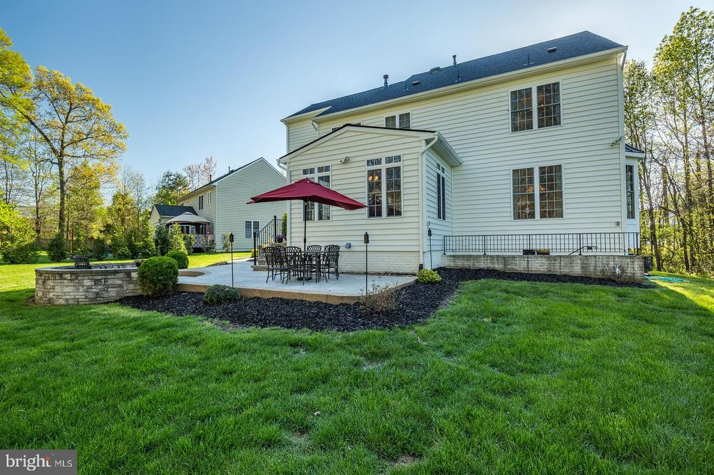 Back view with fabulous patio - 31 CRAWFORD LN, STAFFORD