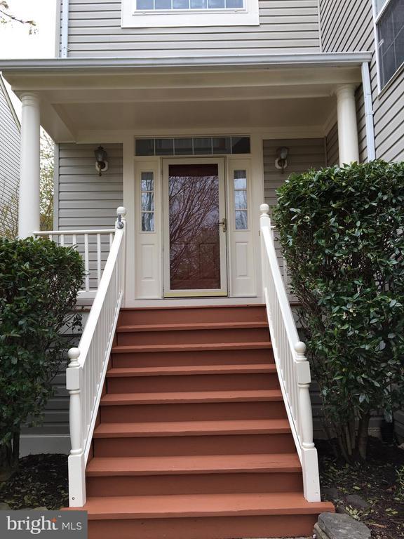 Main Entrance - Porch - 5408 GREEN GLEN LN, ALEXANDRIA