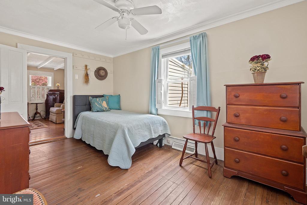 First floor bonus room used as bedroom. - 17350 DRY MILL RD, LEESBURG