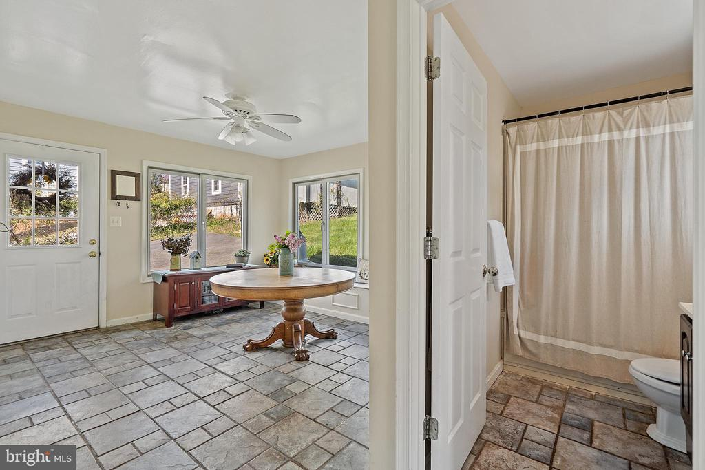 View from family to 2nd BA & sun room. - 17350 DRY MILL RD, LEESBURG