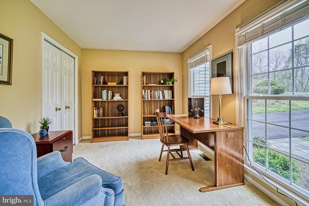 Library with a closet (possible BR) - 12216 HEATHER WAY, HERNDON