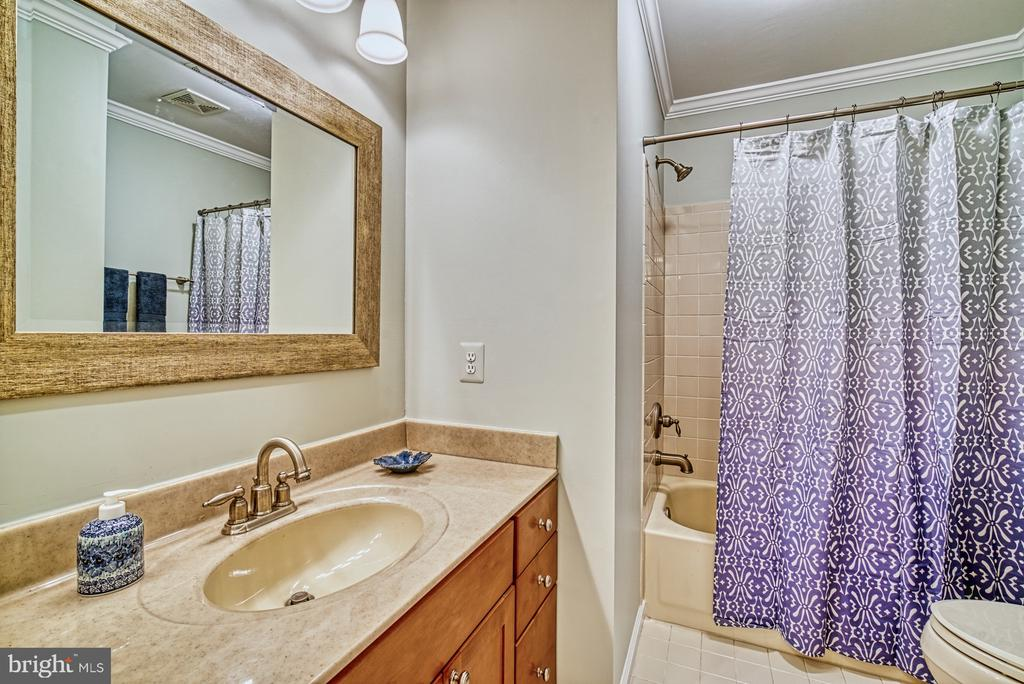 Hall Bath - 12216 HEATHER WAY, HERNDON