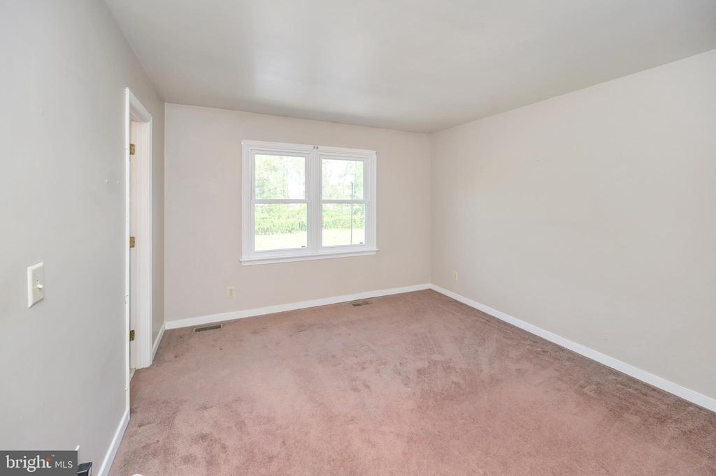 Master bedroom - 16362 HERITAGE PINES CIR, BOWLING GREEN