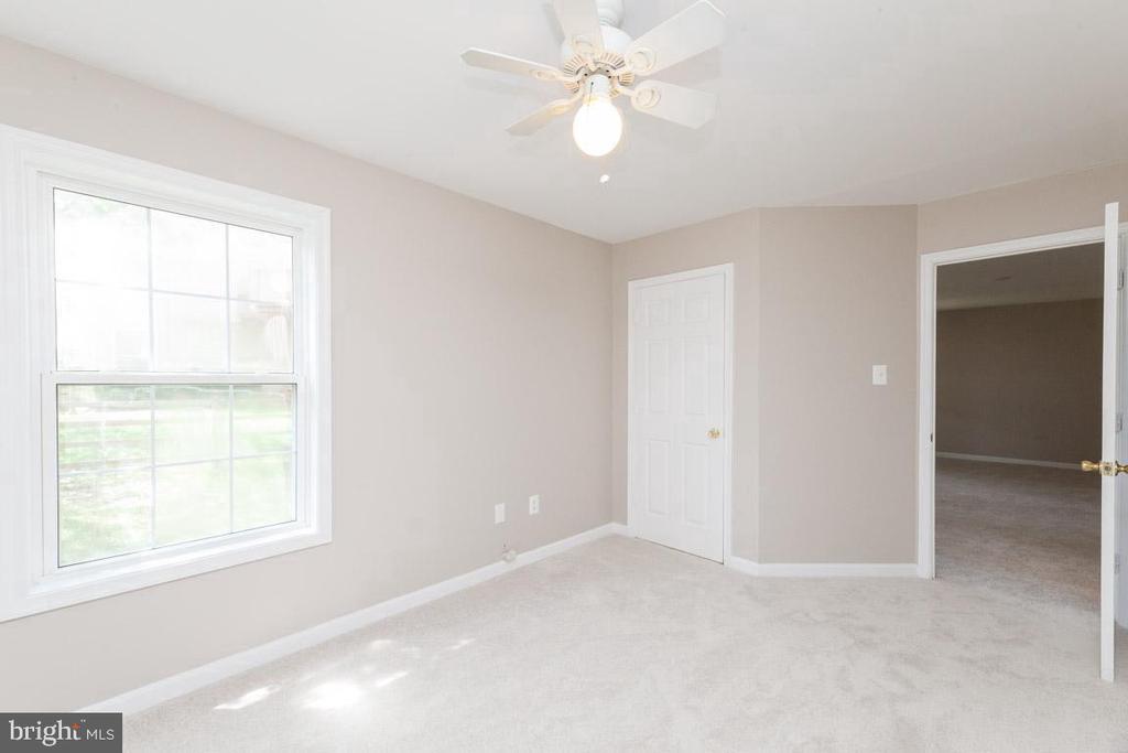 Bedroom in the basement - 5408 GREEN GLEN LN, ALEXANDRIA