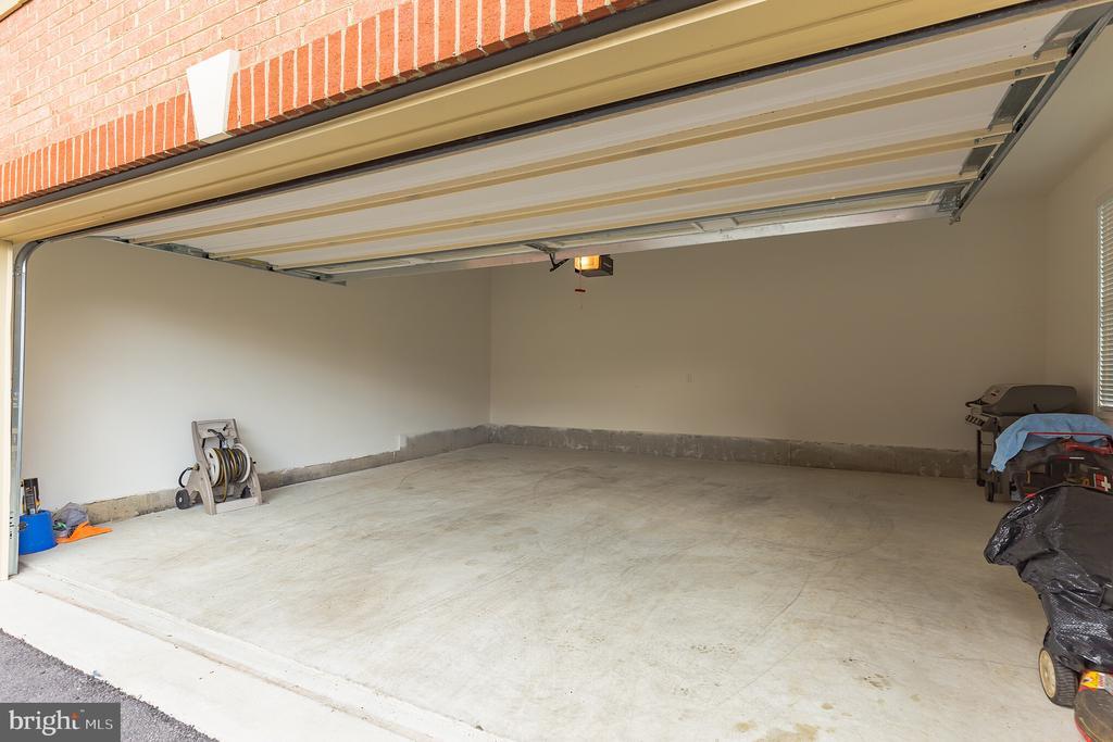 Garage - 11504 PEGASUS CT, UPPER MARLBORO