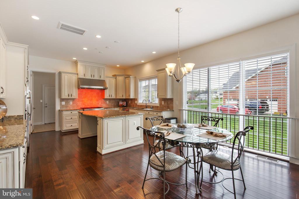 Breakfast Room and Gourmet Kitchen - 11504 PEGASUS CT, UPPER MARLBORO