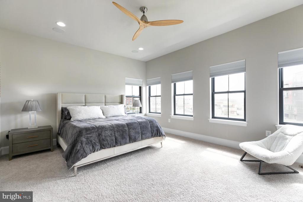 Master Bedroom Suite , Upper Level 2 - 44665 BRUSHTON TER, ASHBURN