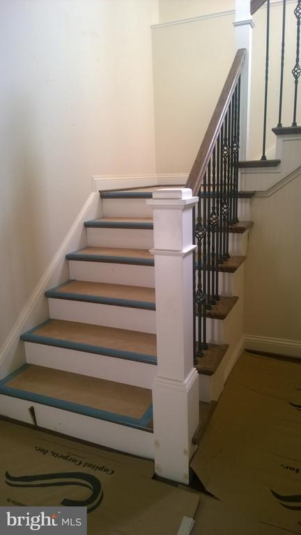 optional iron rails - 400 SALK CIRCLE, GAITHERSBURG
